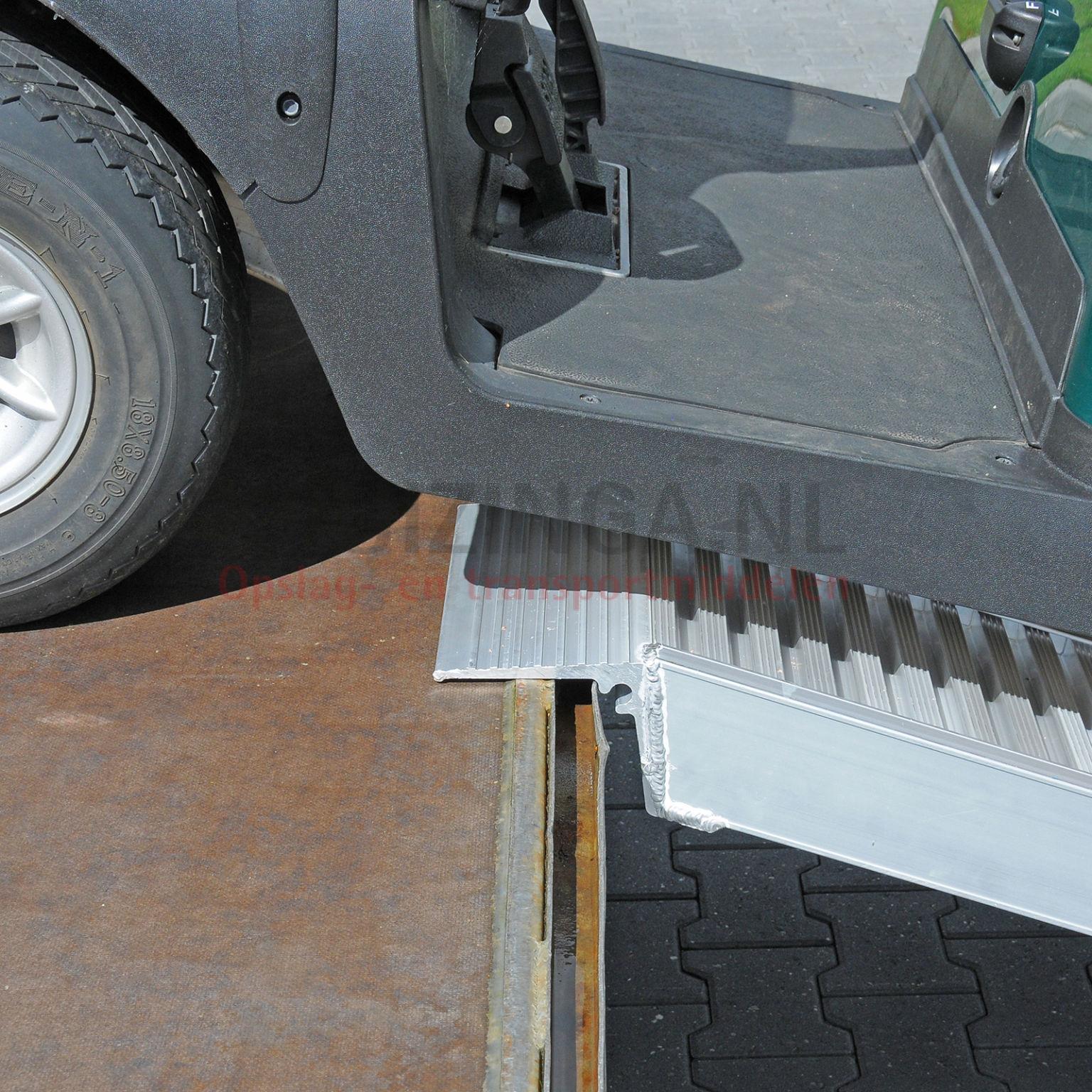 verladeschienen auffahrrampen auffahrrampe aluminium 230 cm pro st ck gebraucht ab 236. Black Bedroom Furniture Sets. Home Design Ideas
