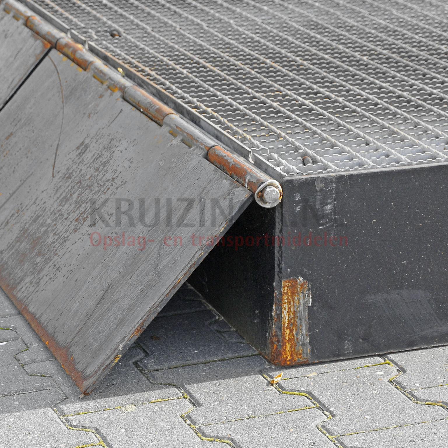 Rampe d 39 acc s rampe d 39 acc s pour conteneurs construction for Construction container belgique