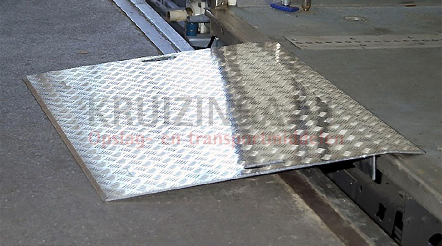 verladeschienen auffahrrampen berladebr cken aluminium 5 bis 12 5 cm 370 50 frei haus. Black Bedroom Furniture Sets. Home Design Ideas
