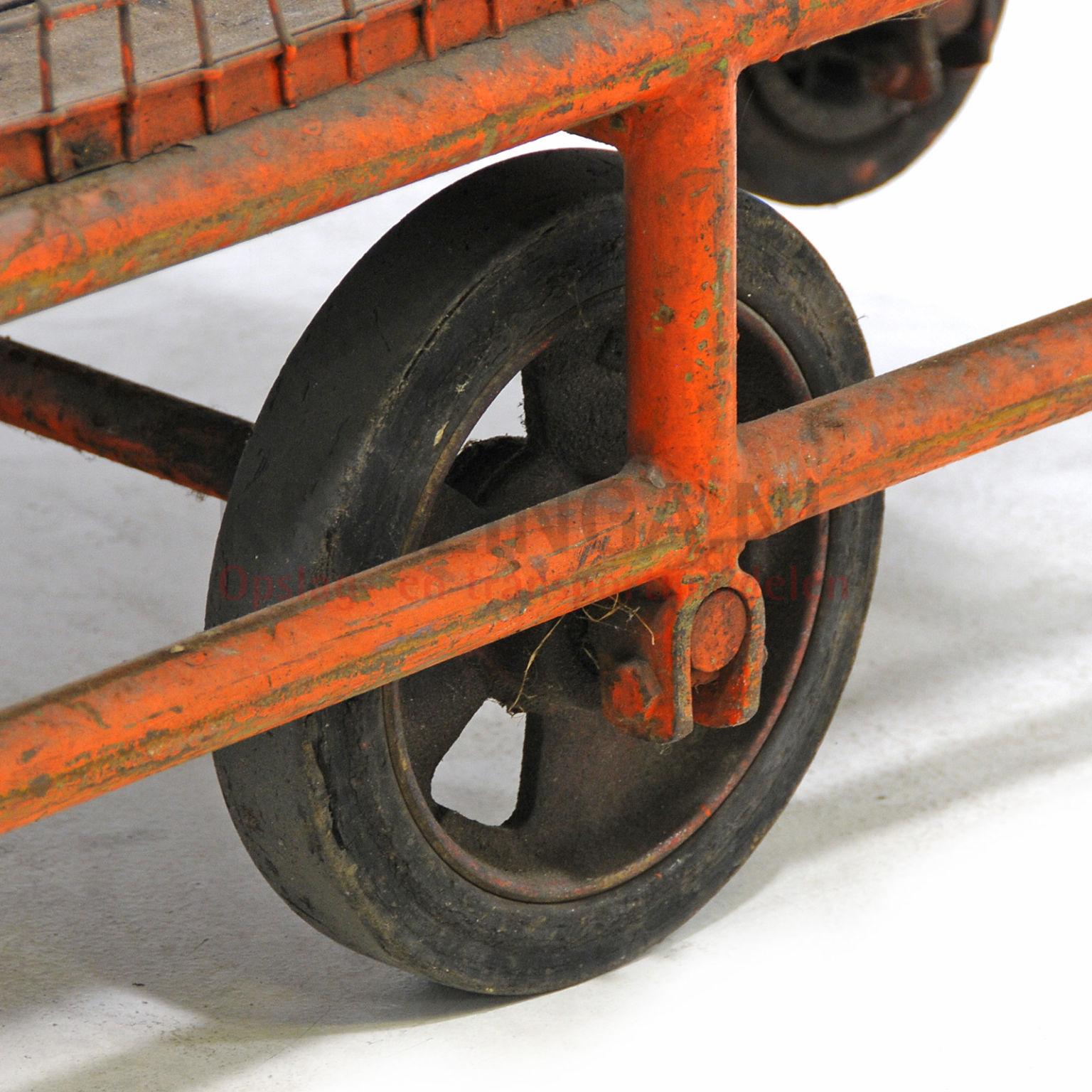 Occasion chariot de manutention construction compact roues caoutchouc occasion - Roue caoutchouc chariot ...