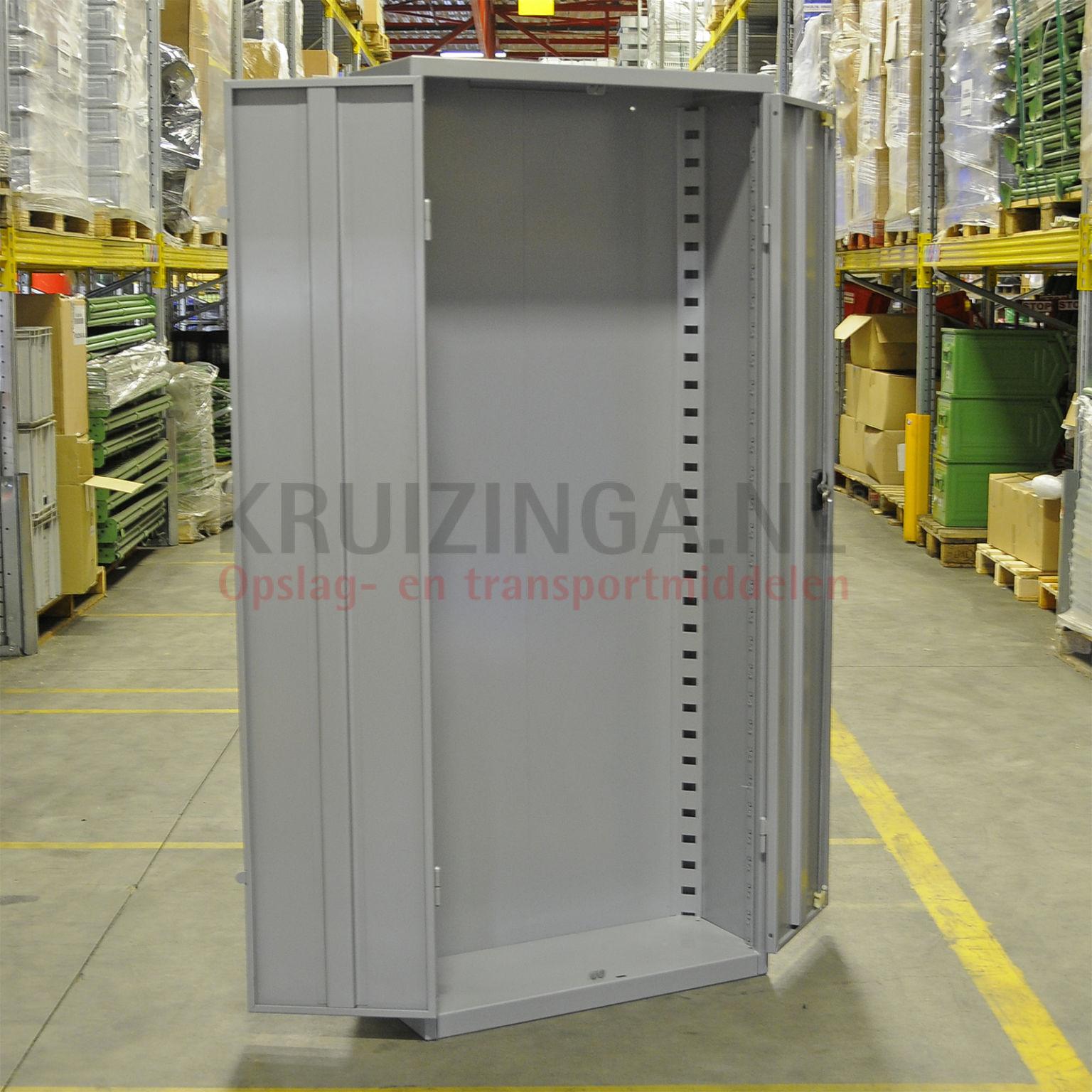 armoire bo tes armoire 2 portes occasion 452 50 frais de livraison inclus. Black Bedroom Furniture Sets. Home Design Ideas