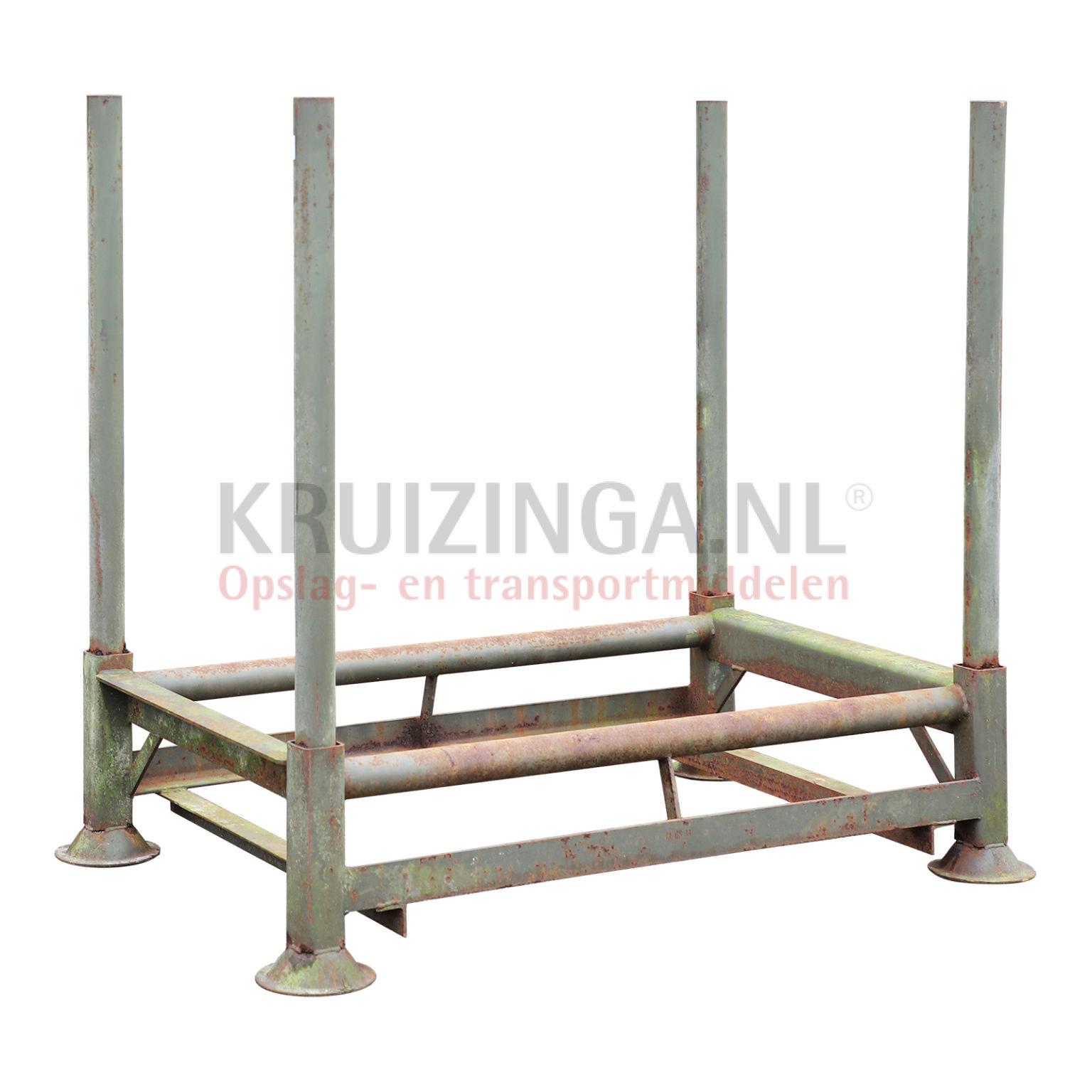 stockage pour pneus rack empilables inclusivement montants. Black Bedroom Furniture Sets. Home Design Ideas
